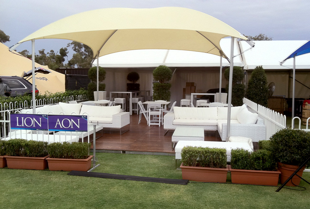 Wicker White Couch Outdoor furniture
