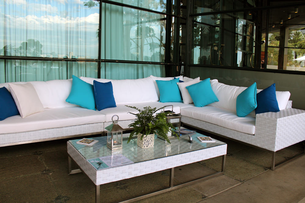 Wicker setting with cushions
