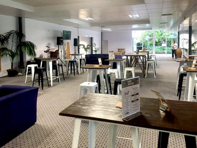 Indoor bar setting