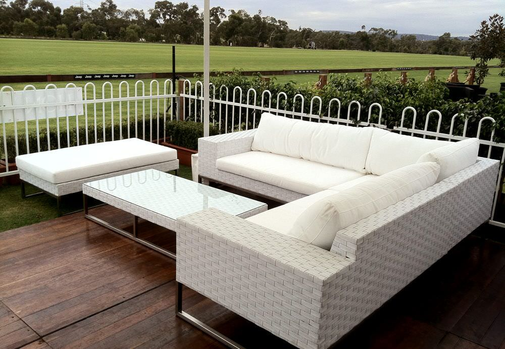 Wicker outdoor lounge